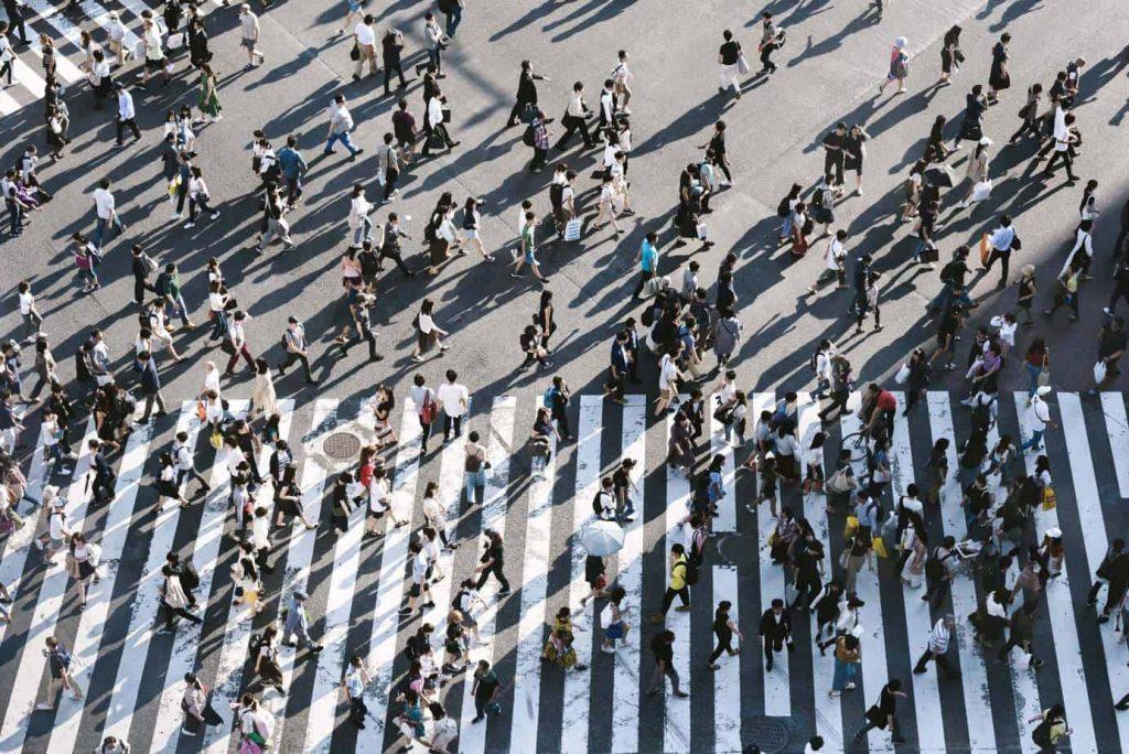 personas-calle-multitud-ryoji-iwata