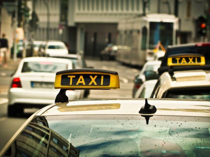 La guerra Uber v/s taxistas y la batalla por Perú