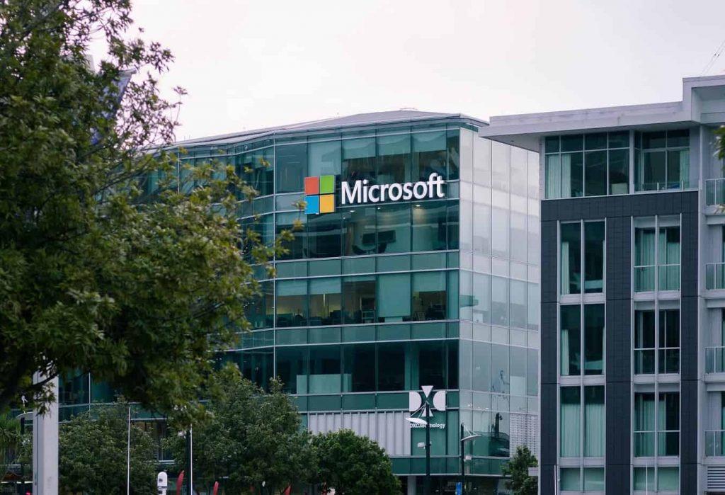 La consulta de Microsoft ante el TDLC por bases de licitación de softwares